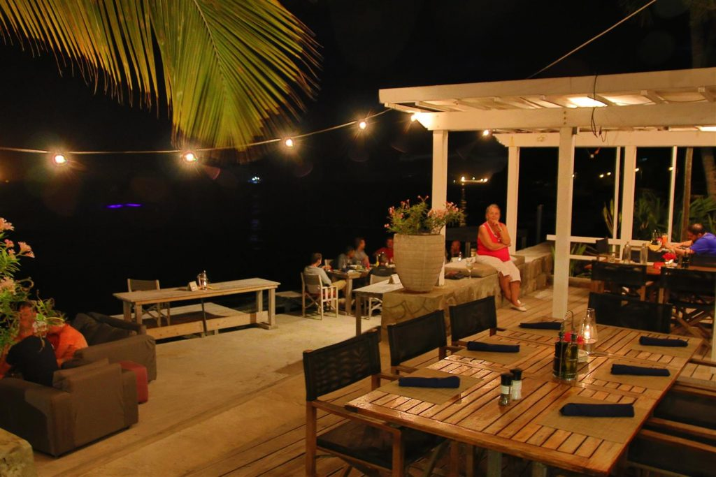 St eustatius the old gin house accommodaties bon travel for Classic house nl