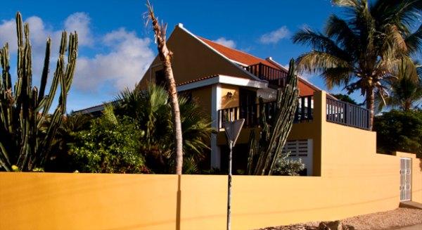 ocean-view-villas-bonaire-600